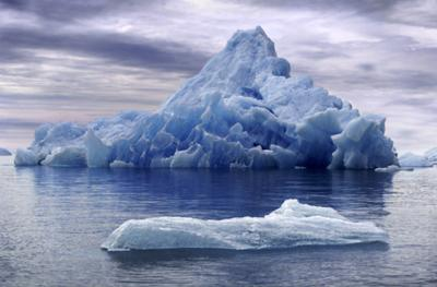 MELTING ICE BERG - EFFECTS OF GLOBAL WARMING